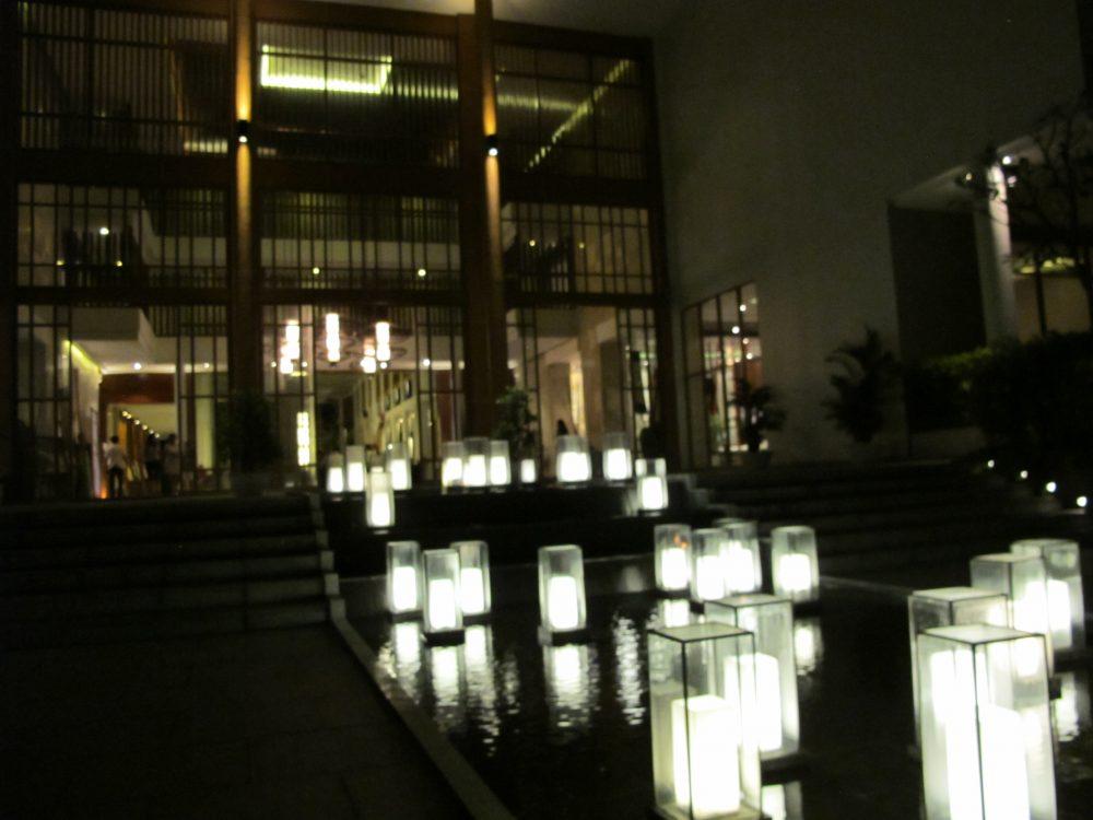 ホテルのフロント部分