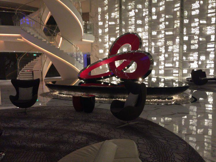 ホテルの70階にあるロビー