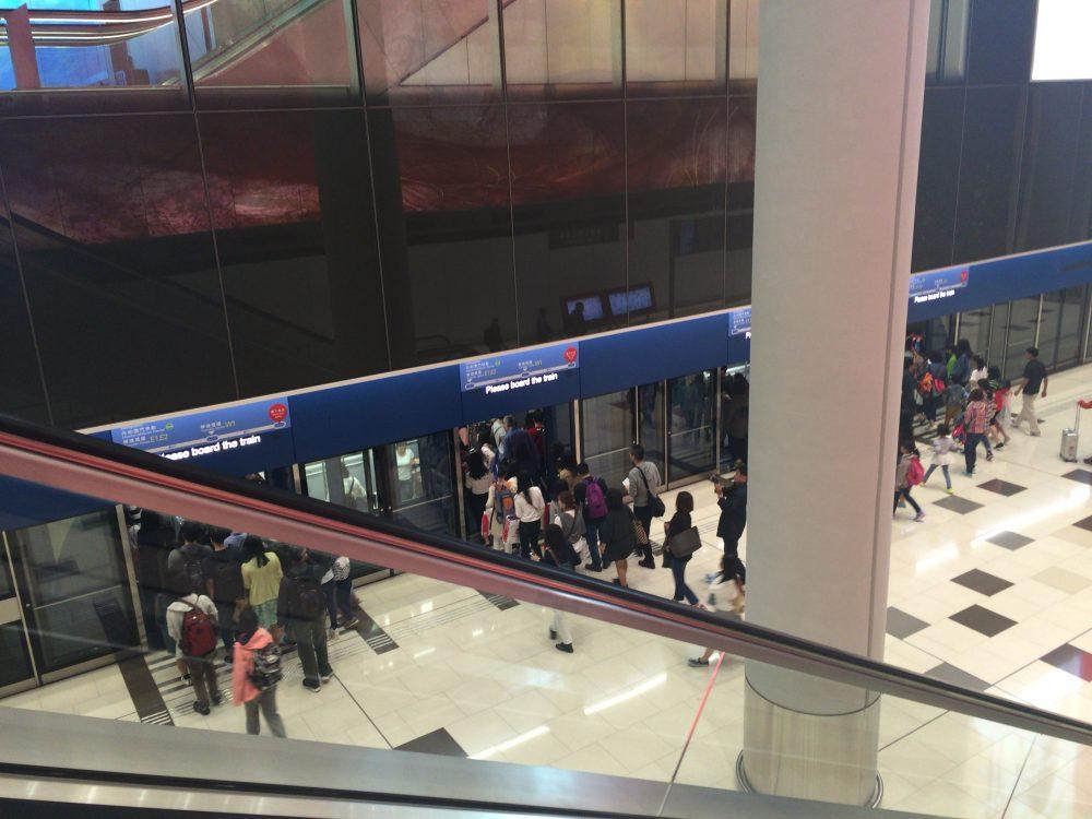 香港国際空港にある列車